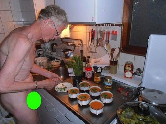 Голые вегетарианцы атакуют (36 фото)