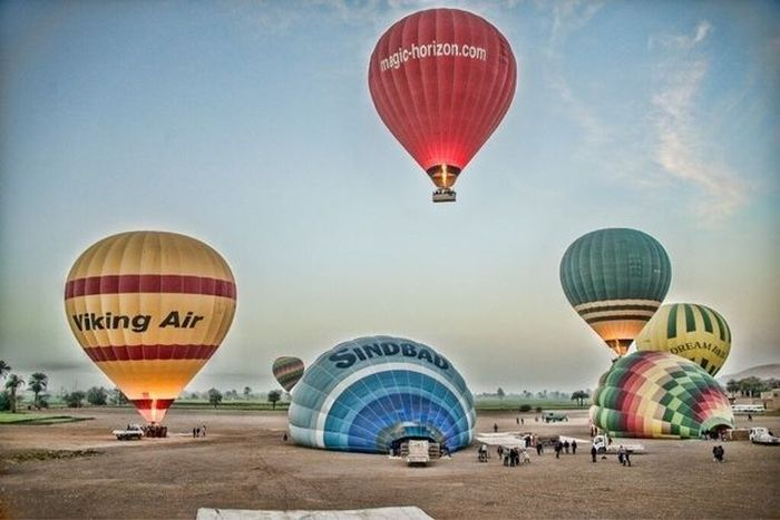 Полет на воздушном шаре стал смертельным для туристов (8 фото)