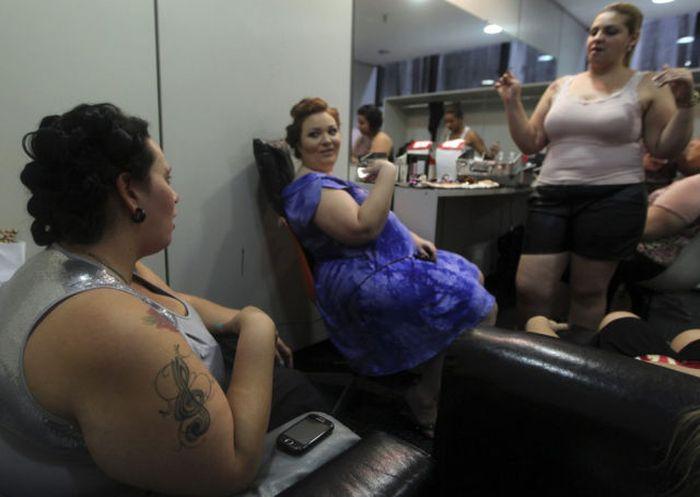 Нестандартный показ мод в Бразилии (19 фото)