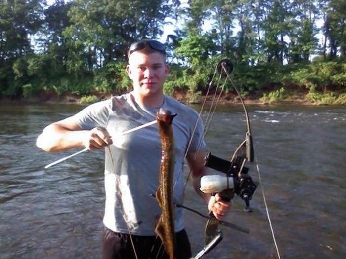 Речной монстр, который шокировал рыболова (3 фото)