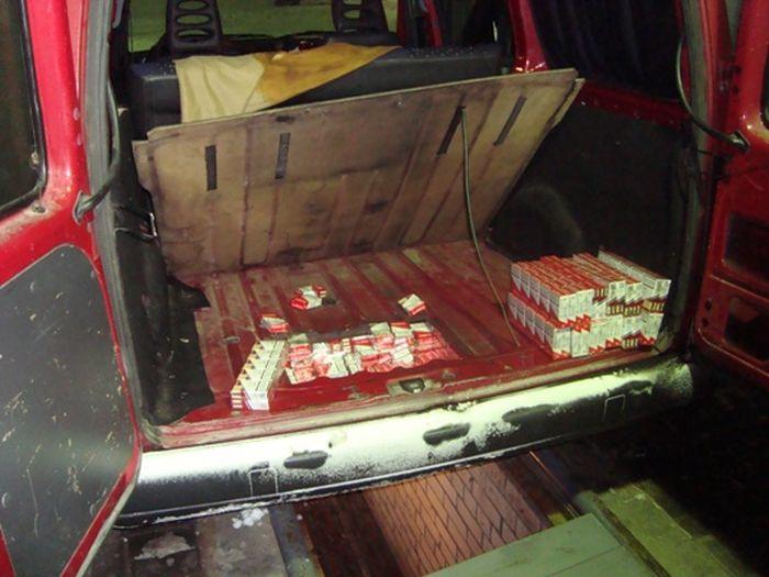 Опасный труд белорусских контрабандистов (9 фото)