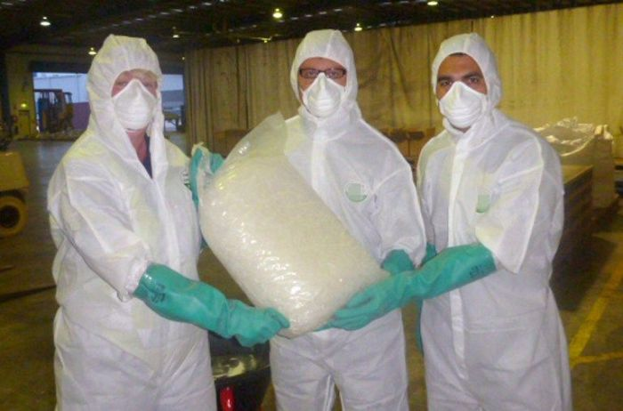 585 кг метамфетамина вместо чистящих средств (7 фото)