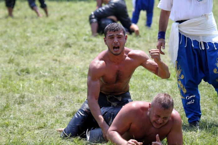 Türk Yağlı Güreşçileri (100 Fotograf)