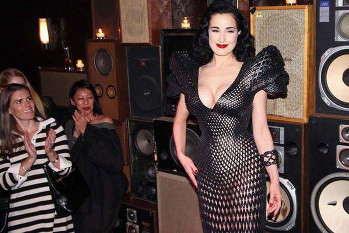 Откровенное платье, которое было напечатано на 3D-принтере (12 фото)