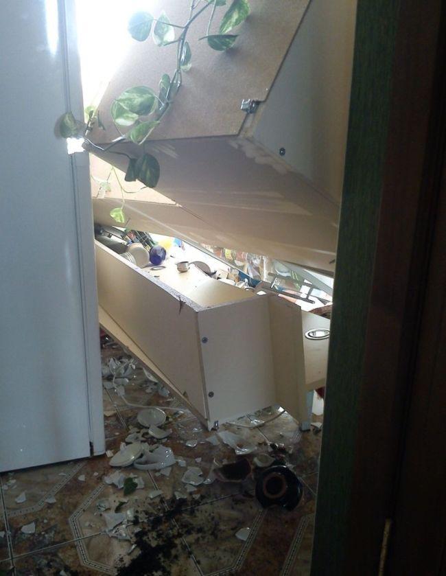 Что случилось с этой квартирой? (4 фото)