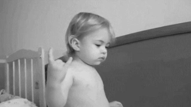 Счастливые детские моменты (43 гифки)