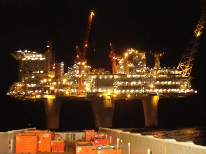 Тролль-А - одна из крупнейших газовых платформ в мире (11 фото)