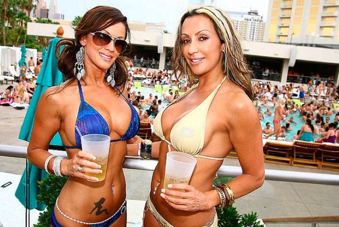Пьяные раскованные девушки Лас-Вегаса (58 фото)
