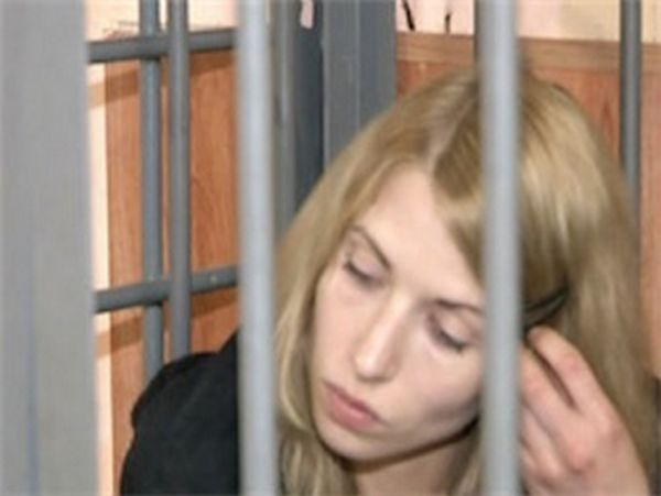 Студентка, стрелявшая в пьяное быдло из травматики, осуждена на три года (10 фото + видео)