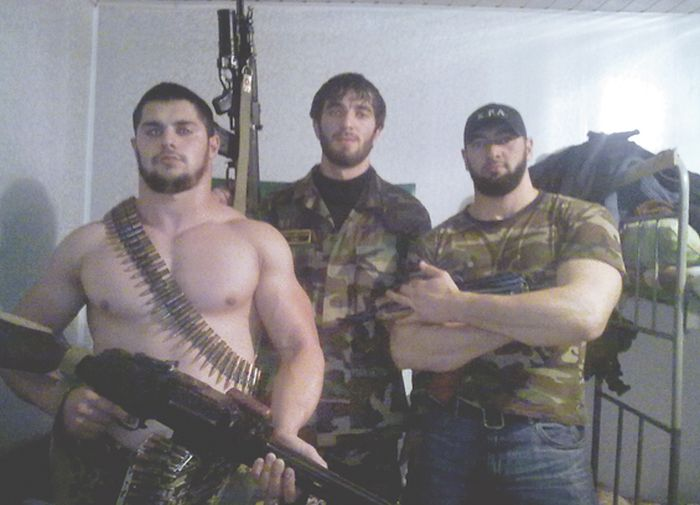 Сотрудники ФСБ объявили забастовку и боятся за свои жизни (5 фото)