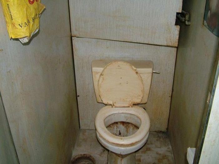 Ужасная квартира (8 фото)