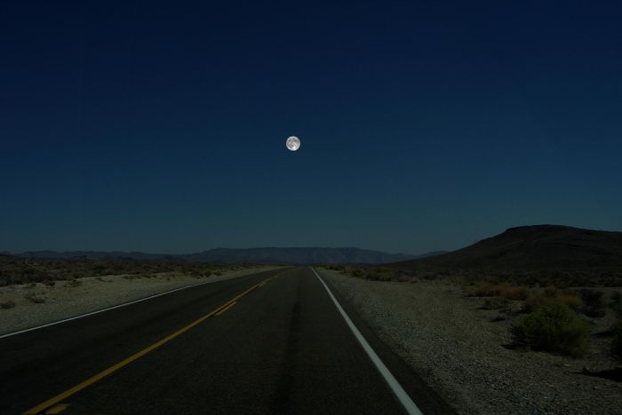 Если бы на месте Луны были другие планеты Солнечной системы. Часть 2 (7 фото)