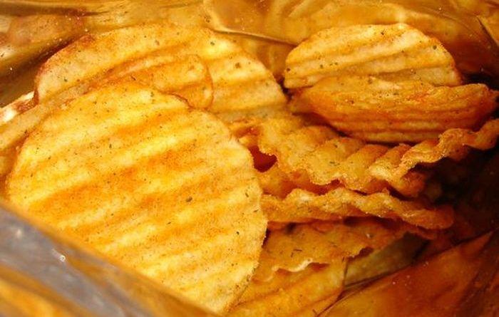 Как производят картофельные чипсы (5 гифок)