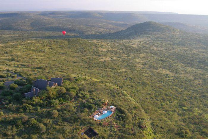Удивительный отель в национальном парке в Кении (21 фото)