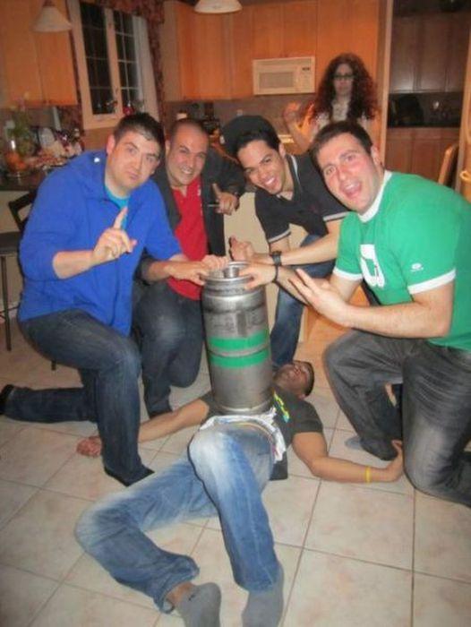 Очень пьяные люди (67 фото)