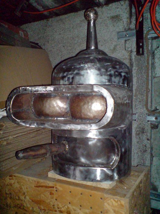 Самодельный робот Бендер из Футурамы (51 фото)