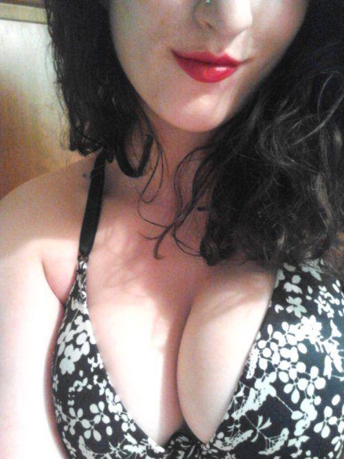 Симпатичные девушки с большой грудью (60 фото)