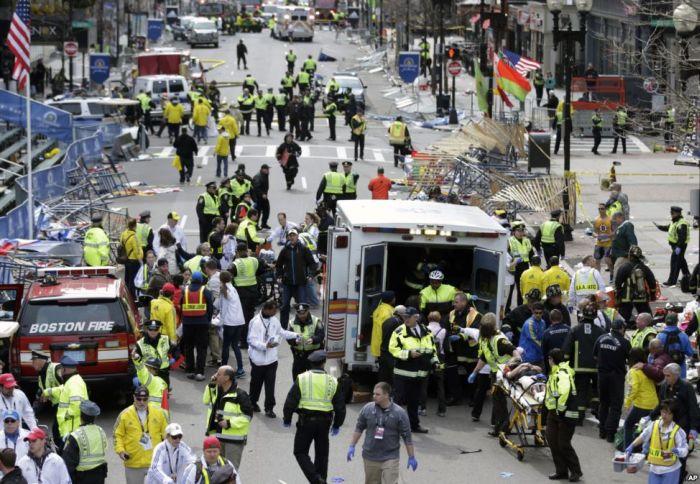 Теракт в Бостоне: два взрыва на финише марафона (18 фото + видео)