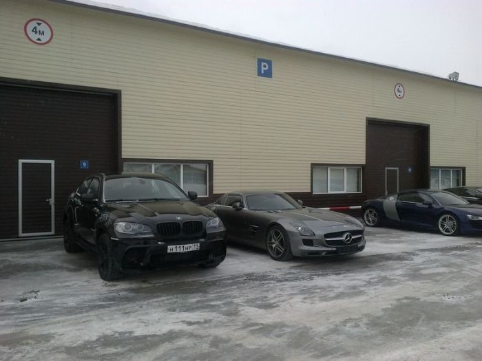Коллекционирование эксклюзивных авто - хобби чиновника из Республики Коми (5 фото)