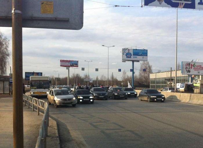 В Перми прошел нелегальный автопробег за отмену ограничений тонировки (5 фото + 2 видео)
