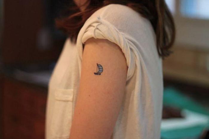 Миниатюрные татуировки со смыслом (75 фото)