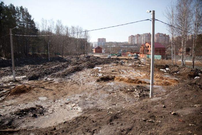 Власти Красногорска превратили городской пляж в свалку  (11 фото)