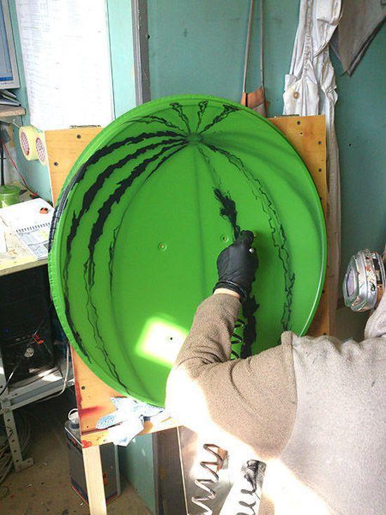 """Делаем креативное """"произведение искусства"""" из спутниковой тарелки (7 фото)"""