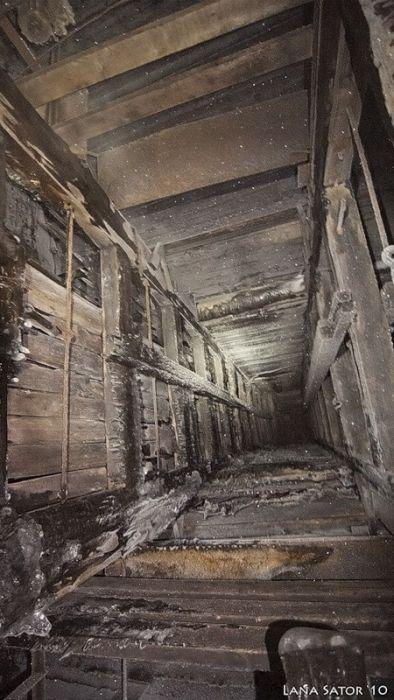 Таинственный сортир в лучших традициях фильмов ужасов (38 фото)