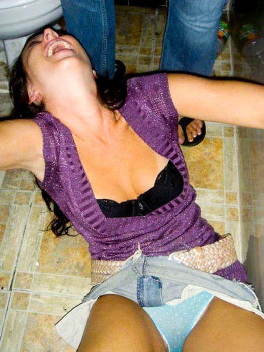 Сексуальные девушки отрываются на вечеринках (40 фото)
