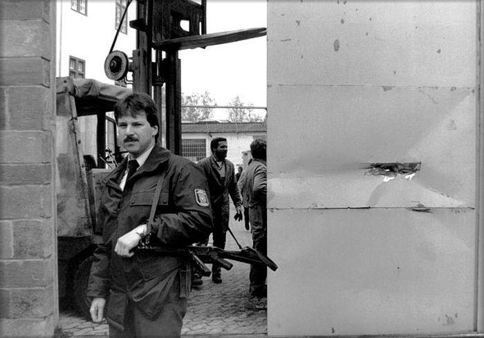 Захватывающий побег из немецкой тюрьмы (11 фото)