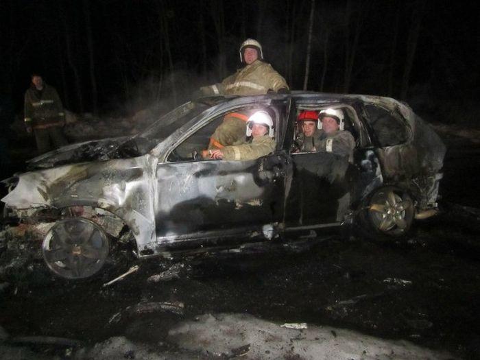 Юморные снимки от пожарных (3 фото)