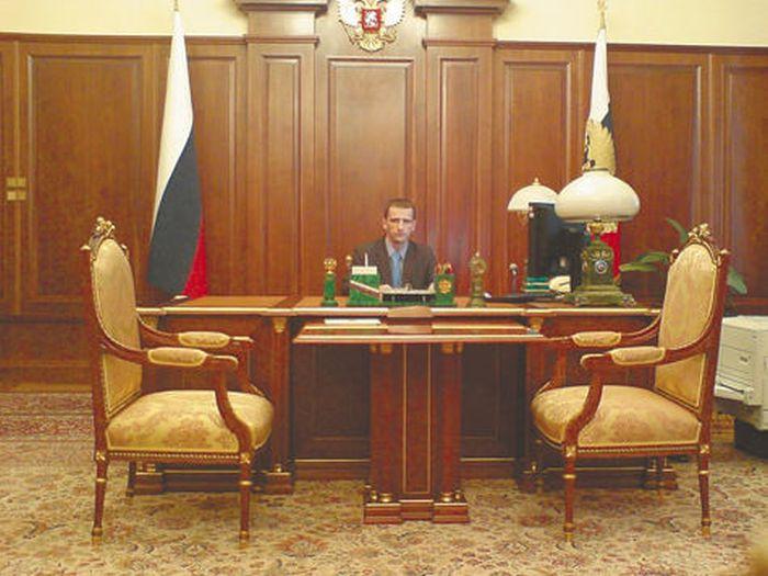 Понты в кабинете президента РФ (2 фото)