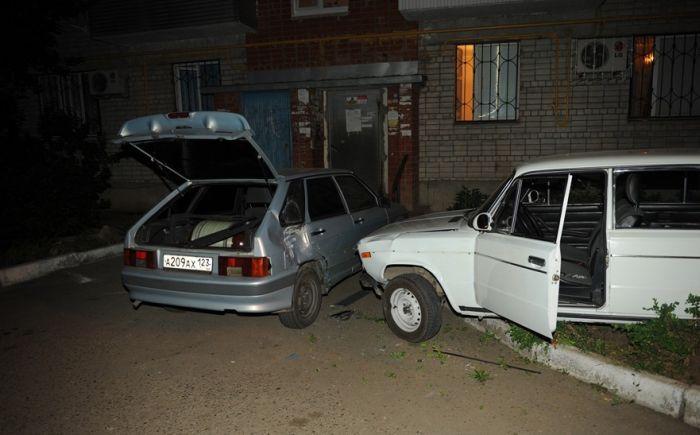 """Пьяный """"стритрейсер"""" уходил от полицейской погони по дворам (11 фото)"""