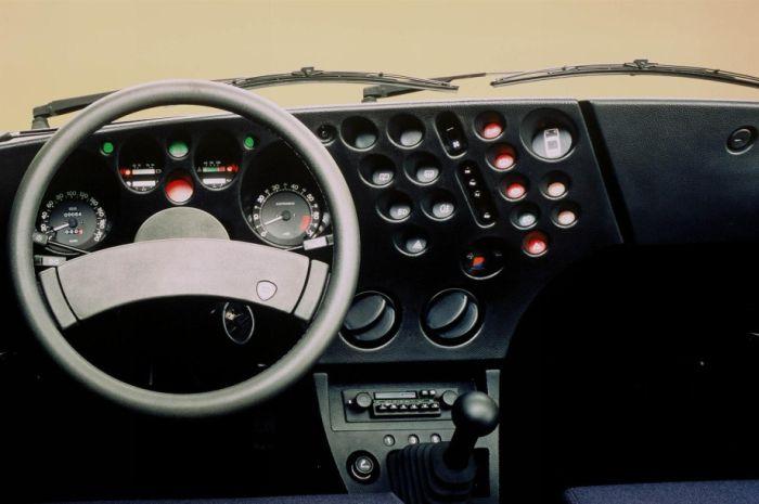 Креативные приборные панели автомобилей (48 фото)