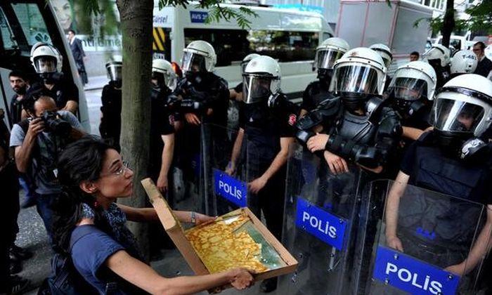 Беспорядки на улицах Стамбула в Турции