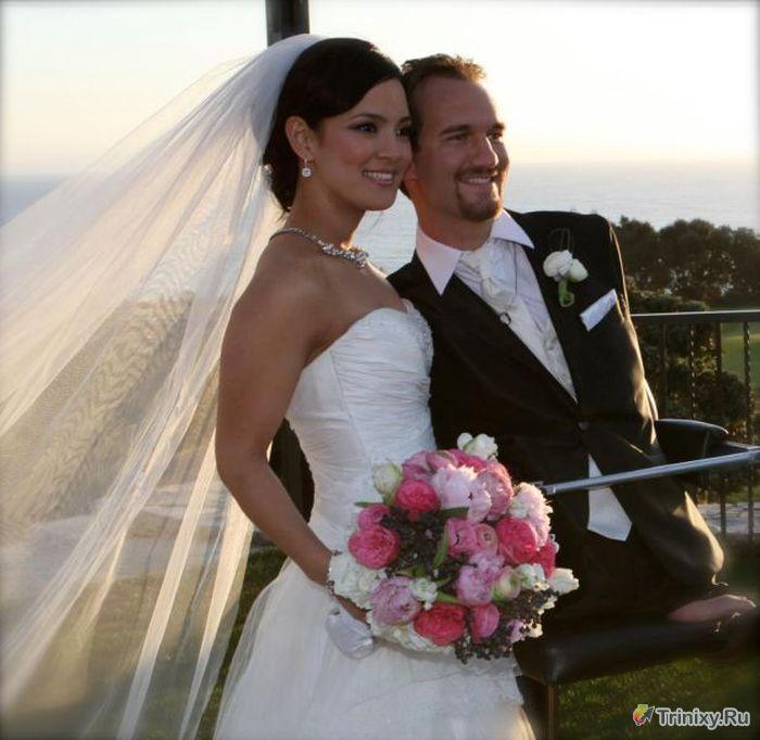 У необычного парня по имени Ник Вуйчич и его жены родился сын (11 фото)