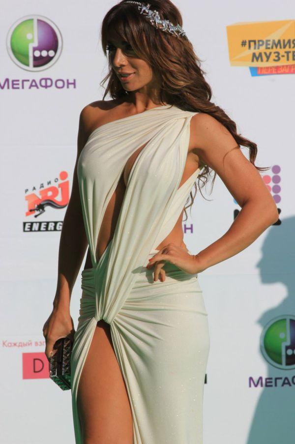 Анна Седокова в весьма откровенном наряде (36 фото)