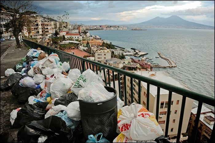 Европейский кризис отходов и мусора (11 фото)