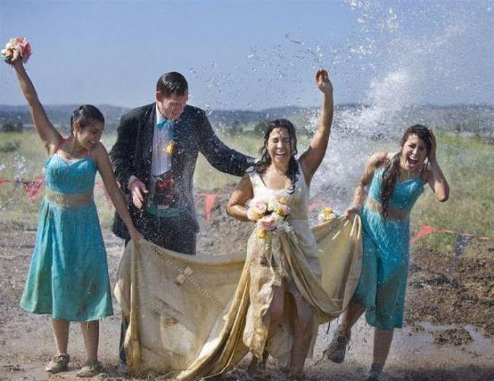 Прикольные свадебные фотографии (74 фото)