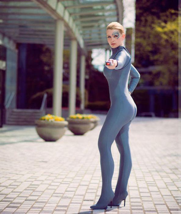 Красивые девушки в косплей костюмах (66 фото)