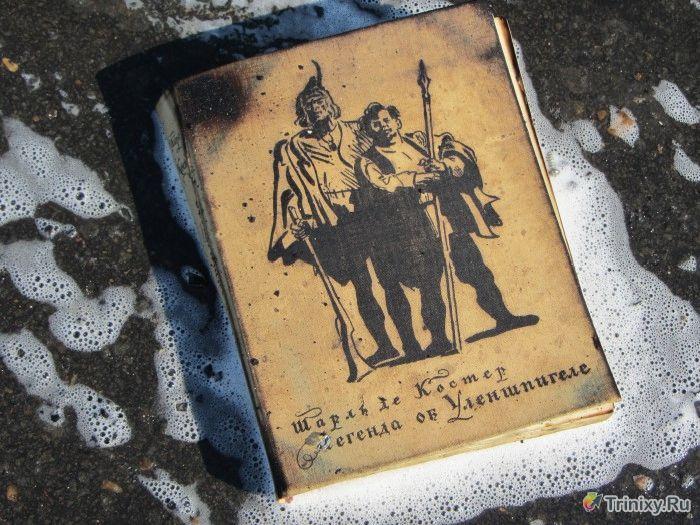 В Братске сгорел полицейский УАЗ (11 фото + 3 видео)