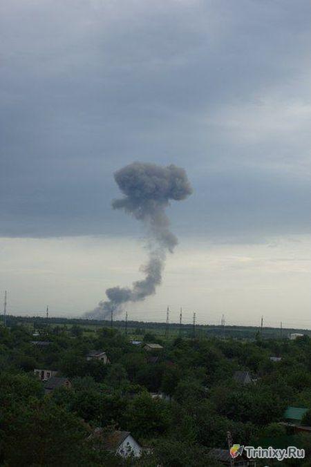 Взрывы боеприпасов на полигоне под Самарой (7 фото + 3 видео)