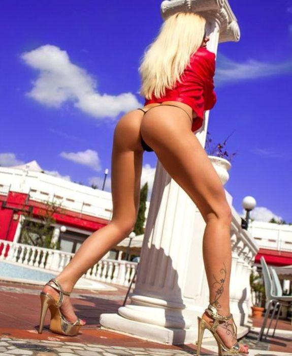 Сексуальные попки стройных девушек (60 фото)