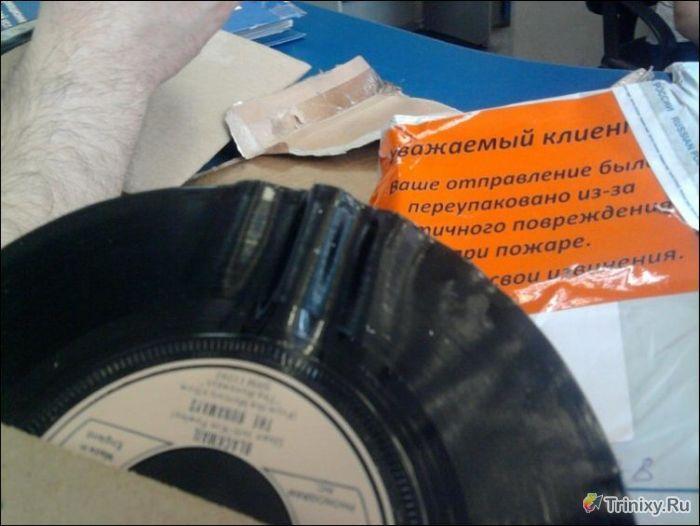 Пришла посылка после пожара на Почте России (3 фото)