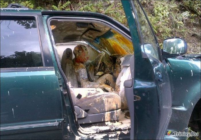 Никогда не перевозите стройматериалы и растворы на своем авто (7 фото)