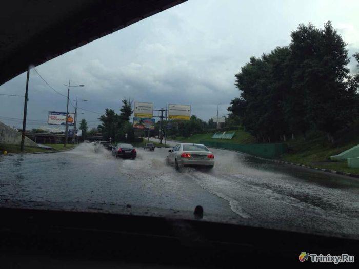 Последствия ливня в Москве (29 фото + видео)