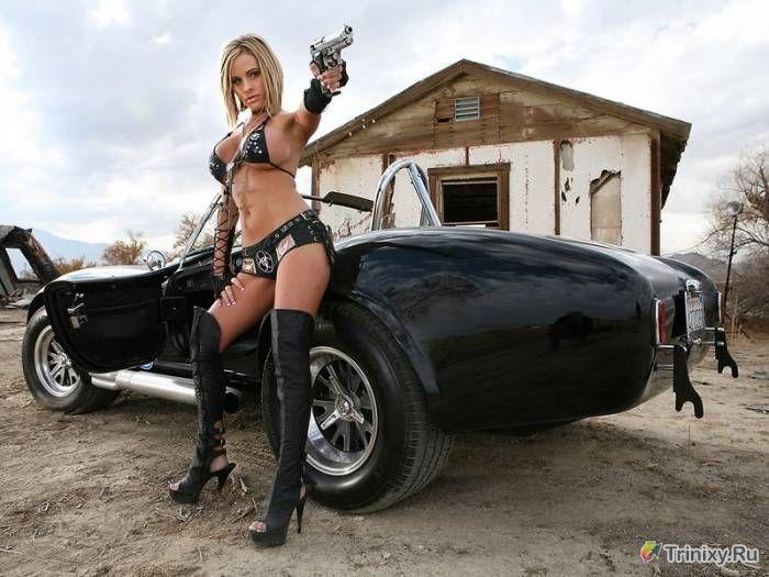 Красивые обнаженные девушки и авто фото