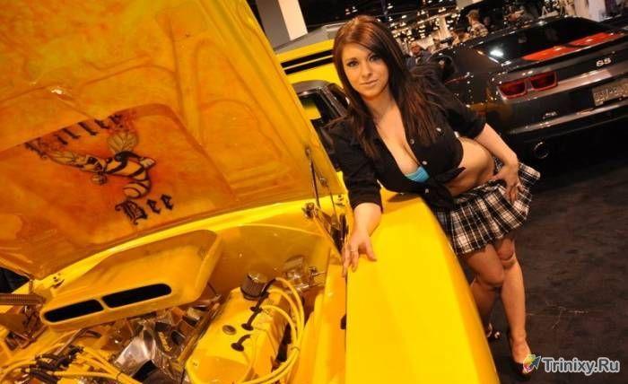 Красивые девушки и автомобили (103 фото)