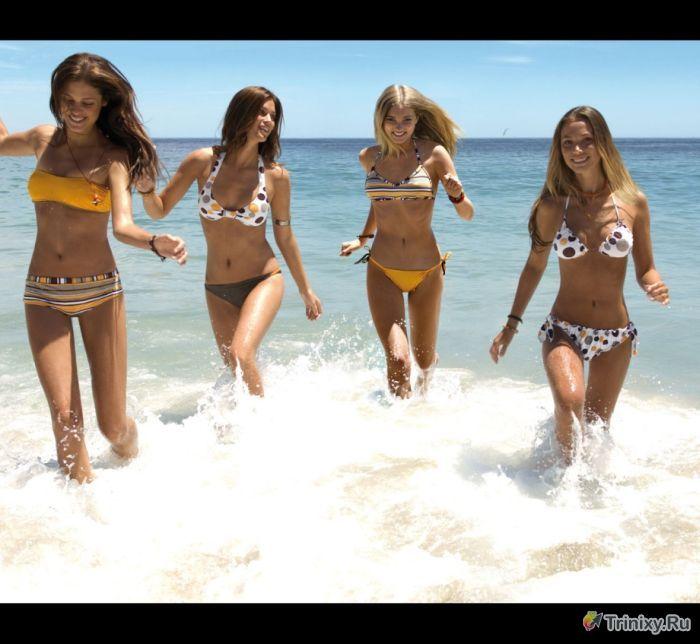 Сексуальные девушки в купальниках бикини (40 фото)
