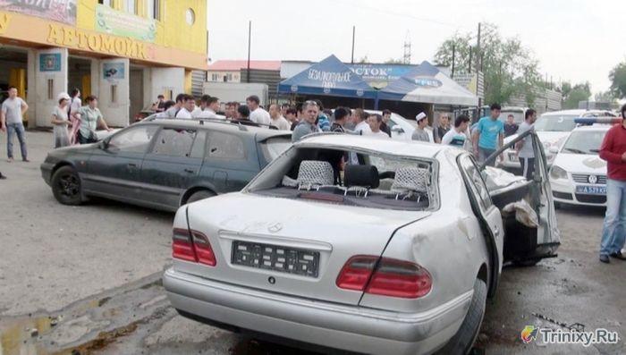 15-летний подросток прокатился на Мерседесе (23 фото)